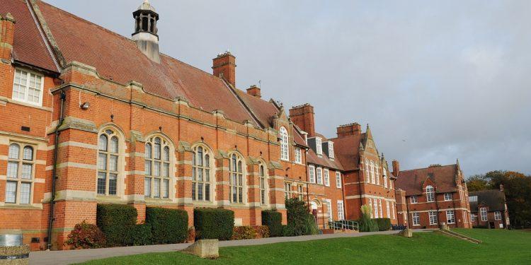 HUSK-07669: Bridlington school and sports college . PIC SIMON KENCH/ Trudi Story