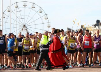 The Mayor of Bridlington Liam Dealtry prepares to get the race under way. Picture: TCF Photography